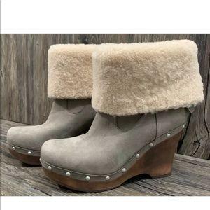 UGG Wedge Boots Sheepskin Womens 9